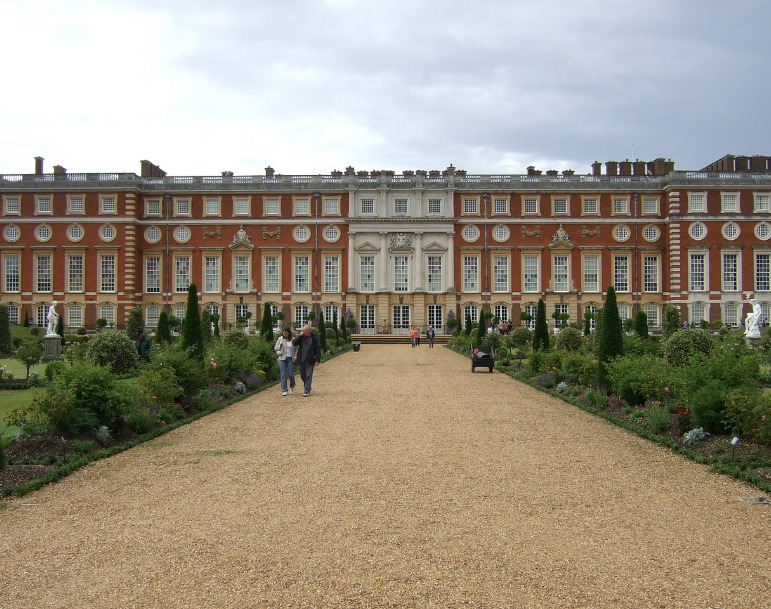 Hampton Court Palace, Greater London SWS Locations