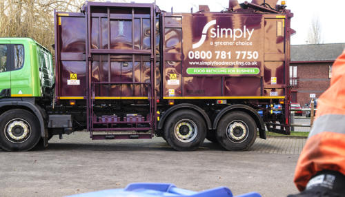 Simply Waste Solutions top loader truck used for food and glass waste recycling collections.